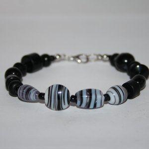 """Nwot Black and white glass bracelet 8"""""""